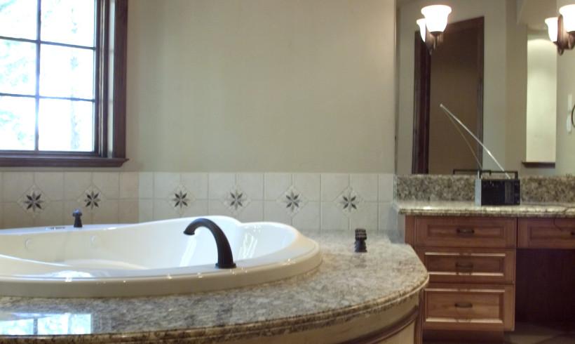 Montreux Bath148